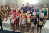 Акробаты ДЮСШ подводят итоги года на пьедестале